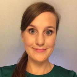 Julie Sandbaek - italiano al noruego translator