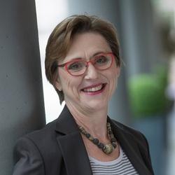 Roswitha Stolpe - English to German translator