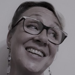 Rosalind Buck - Dutch to English translator