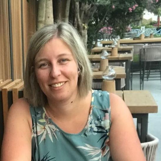 Liesbeth Wouters - francés a neerlandés translator