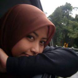 Nadya Bajuri - Malay to English translator