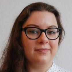 Agnieszka Jarząbek - English > Polish translator