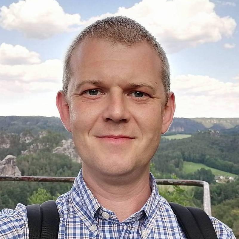 Taras Kuziv - ruso a ucraniano translator
