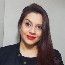 TainaGaldino - English to Portuguese translator
