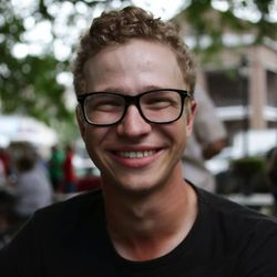 Mikus Plume - English to Latvian translator