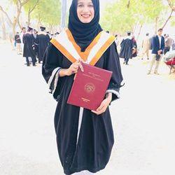 Hafsa Usmani - inglés a urdu translator