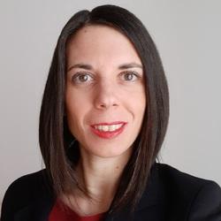 Simona Lazzaroni - inglés a italiano translator