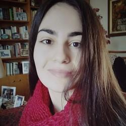 Vassia Ntavali - angielski > grecki translator