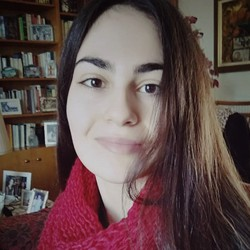 Vassia Ntavali - inglés a griego translator