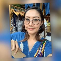 Krongthong Kaewbunrueang - inglés a tailandés translator