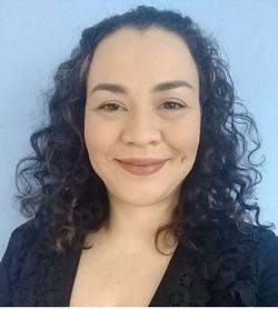 Paula Bonning - English to Portuguese translator