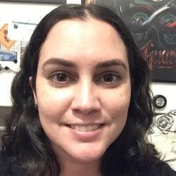 Carolina Oliveira - English to Portuguese translator