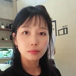 Young Eun Choi - angielski > koreański translator