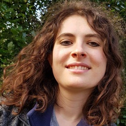Nina Keen - alemán a inglés translator