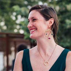 Kristin Maverick - Portuguese to English translator
