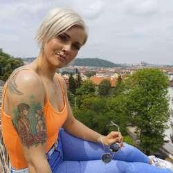 Dana Šimíčková - inglés a checo translator