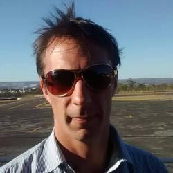 PAUL DAVEY - portugués a inglés translator