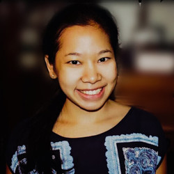 Piyarudee P. Hall - inglés a tailandés translator