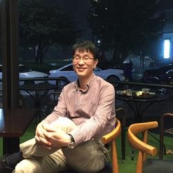 Yong Joo Yoon - angielski > koreański translator