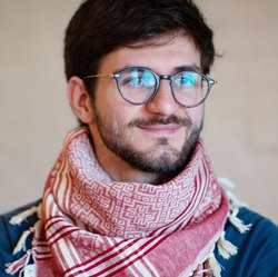 Artem Syrmolotov - angielski > rosyjski translator