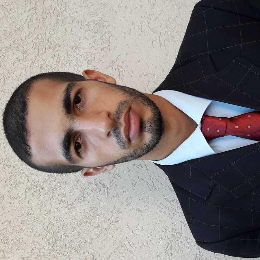 Baker Breem - inglés a árabe translator