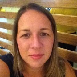 Lori Beuligmann Ferreira - portugalski > angielski translator