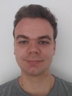 Peter Hooijschuur - inglés a neerlandés translator