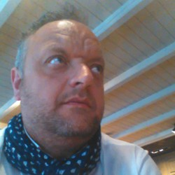 Claude Deschildre - Dutch to English translator