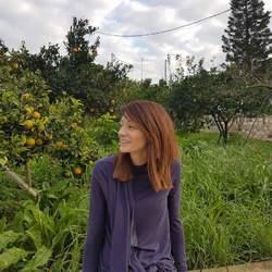 Hara Tzolaki - angielski > grecki translator