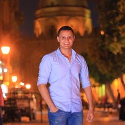 mahmoud hefnawy - inglés a árabe translator