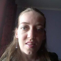 Eva Hamza - inglés a rumano translator