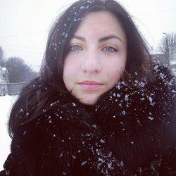Viktoriia Bidzilia - English to Ukrainian translator
