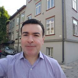 Luciano Monteiro - English to Portuguese translator