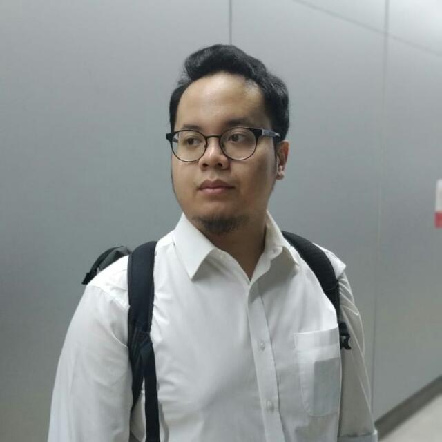 Yogi Primaputra - inglés a indonesio translator