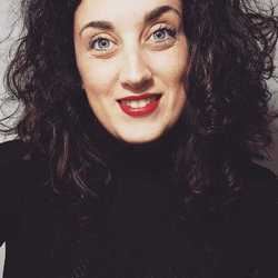 Emanuela Cosacco - angielski > włoski translator