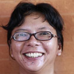 Shirley Argasetya - inglés a indonesio translator