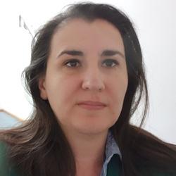 Agnes Dabi - English a Hungarian translator