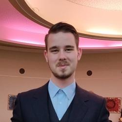 Luuk Schakenbos - neerlandés translator