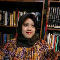 Putri Prihatini - inglés a indonesio translator