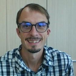 Hugues Pluvinage - angielski > francuski translator