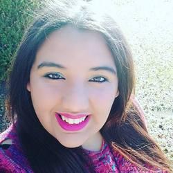 Naara Oliveira - English to Portuguese translator