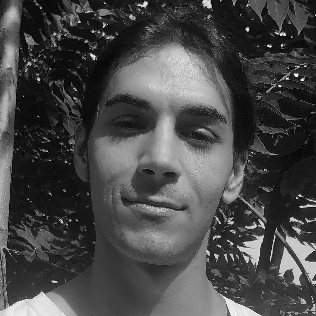 Olgun Yolcinar - inglés a turco translator