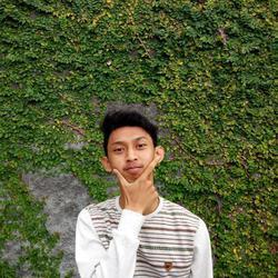 Raihan Rajendra - inglés a indonesio translator