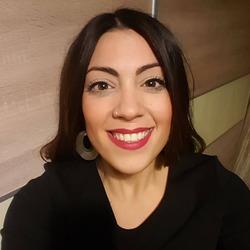 Evi Tsesmetzi - inglés a griego translator