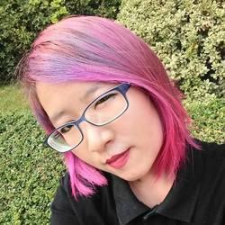 Hassaya Tolua - tailandés a inglés translator