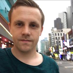 Erik Lövgren - japoński > szwedzki translator