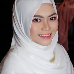 Sarah Annisa - angielski > indonezyjski translator