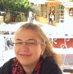 Simona Handschuh - English to German translator