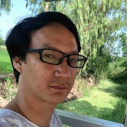 Chayatat Kittayaruk - inglés a tailandés translator