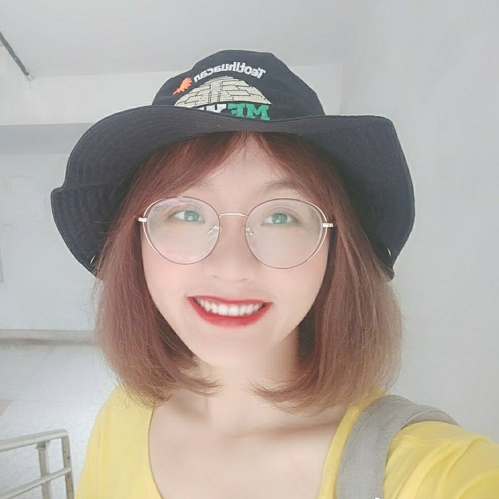 Lola Wei - English to Chinese translator
